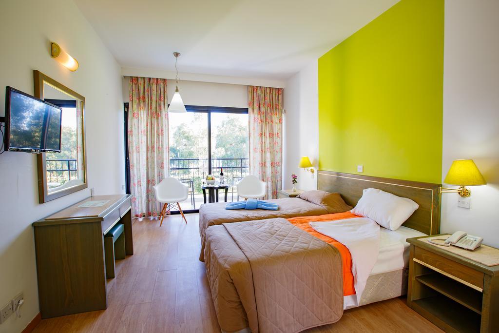 Park Beach Hotel, Кипр