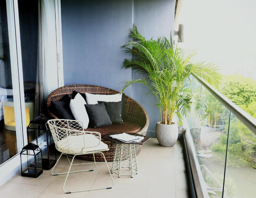The Crystal Luxury Bay Resort, Индонезия