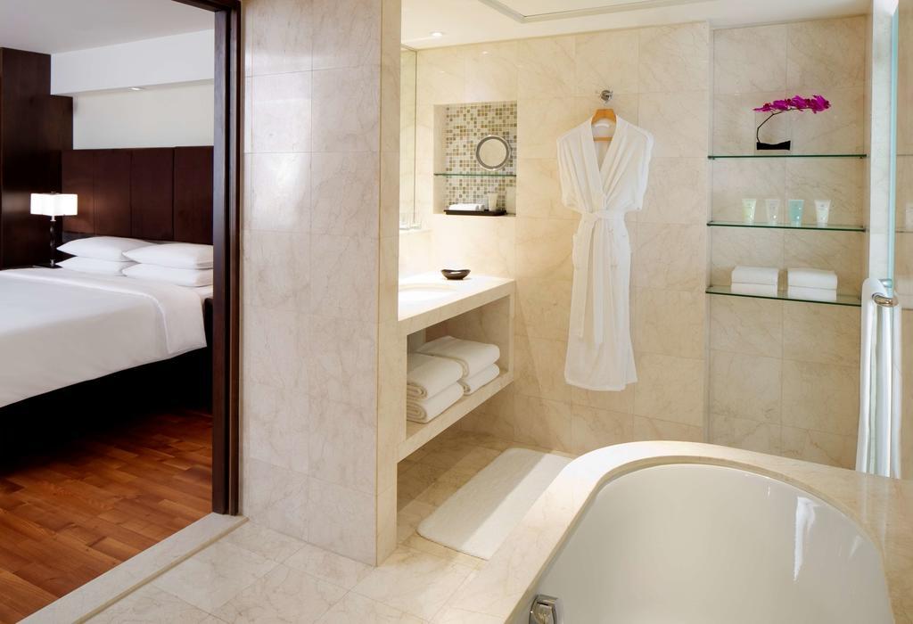 Hyatt Regency Dubai, 5