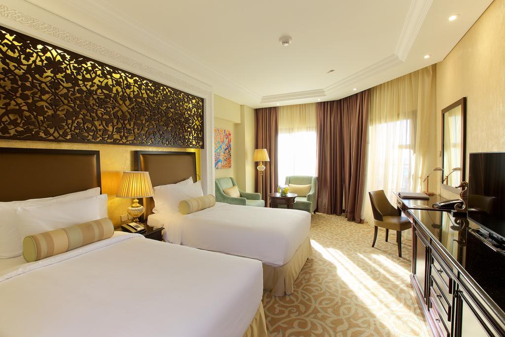 Ціни в готелі Marjan Island Resort & Spa