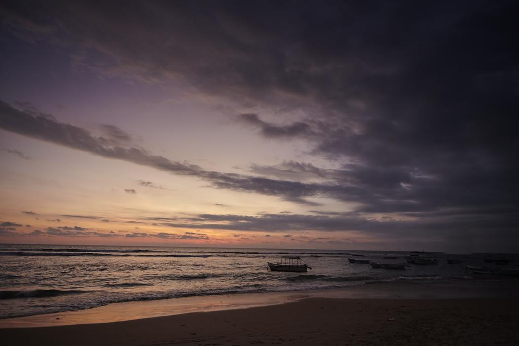Отдых в отеле Coral Sands Хиккадува Шри-Ланка