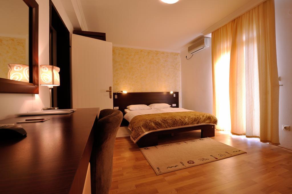 Відпочинок в готелі Djuric Петровац