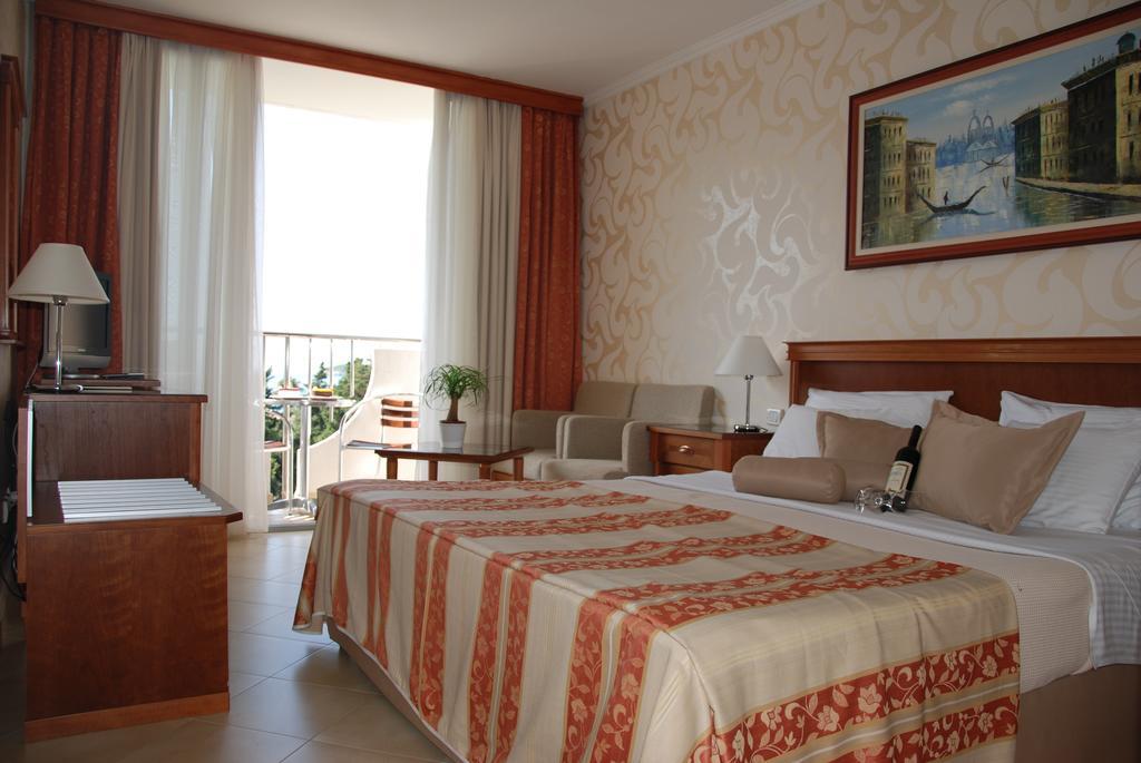 Отзывы гостей отеля Mediteran Becici Hotel