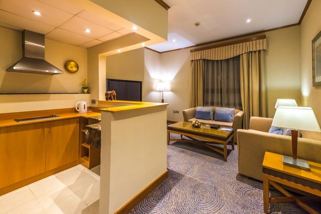 Відгуки про готелі Golden Tulip Al Barsha
