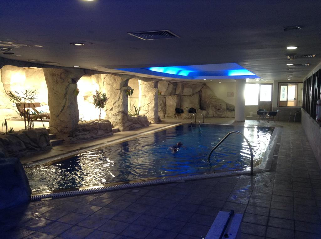 Crown Resort Horizon Hotel, фото