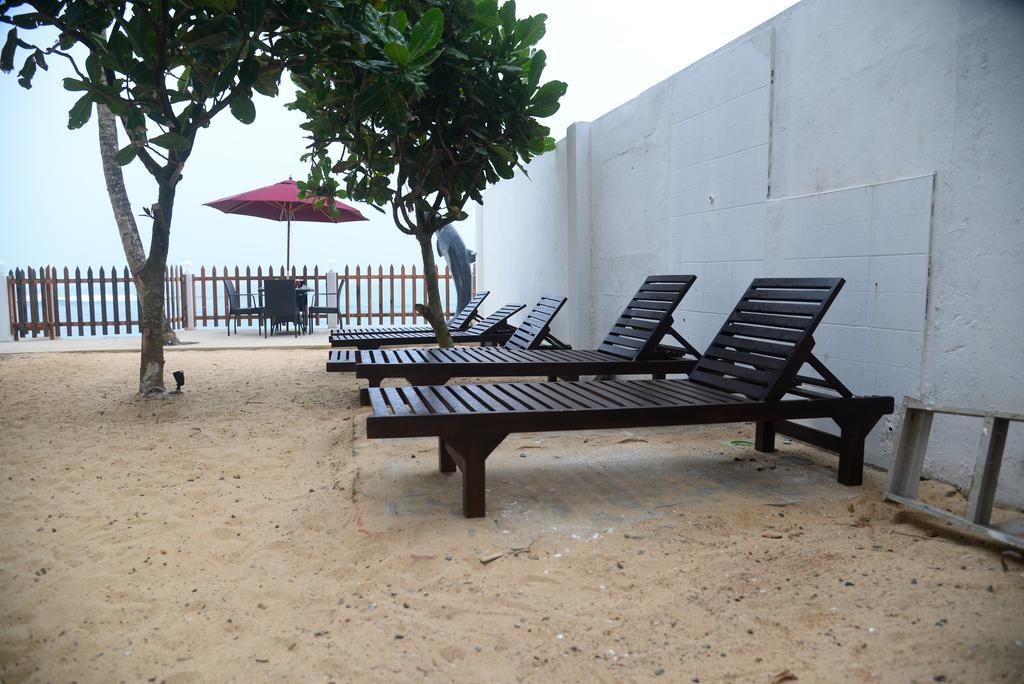 Туры в отель Rock Fort Beach Resort Унаватуна Шри-Ланка