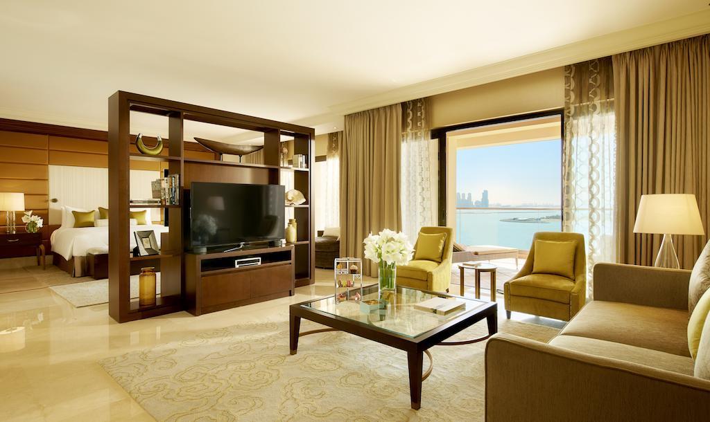 Відгуки про готелі Fairmont The Palm