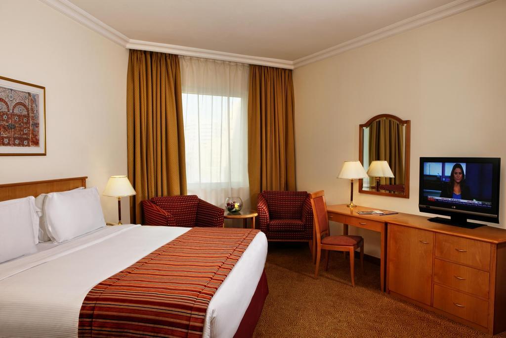 Swiss Belhotel Sharjah (Ex. Sharjah Rotana), Шарджа, фотографии туров