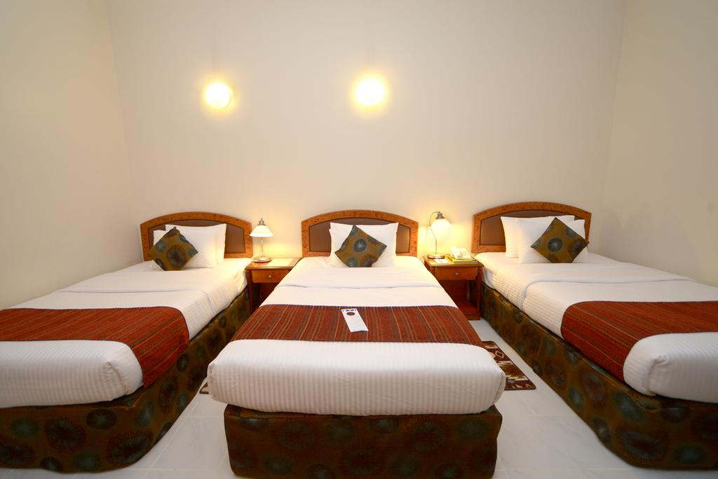 Цены в отеле Nejoum Al Emarate Hotel Sharjah