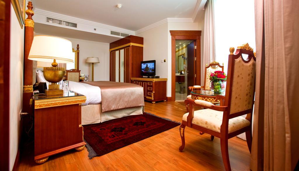 Горящие туры в отель Holiday Inn Bur Dubai Embassy District