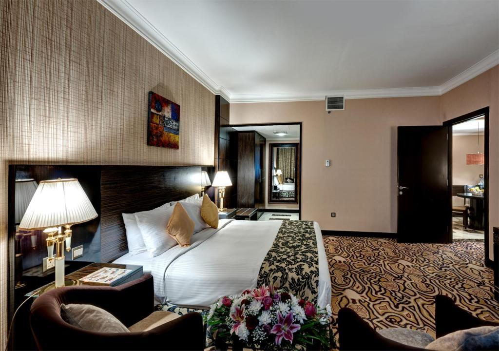 Горящие туры в отель Sharjah Palace Hotel Шарджа