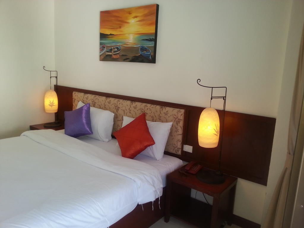 Bauman Ville Hotel Патонг ціни
