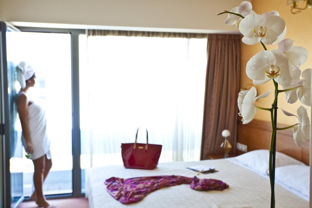 Цены в отеле Crystal City