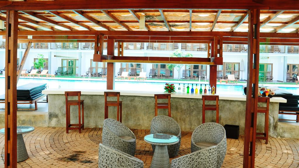 Carolina Beach Hotel, Шри-Ланка, Чилау