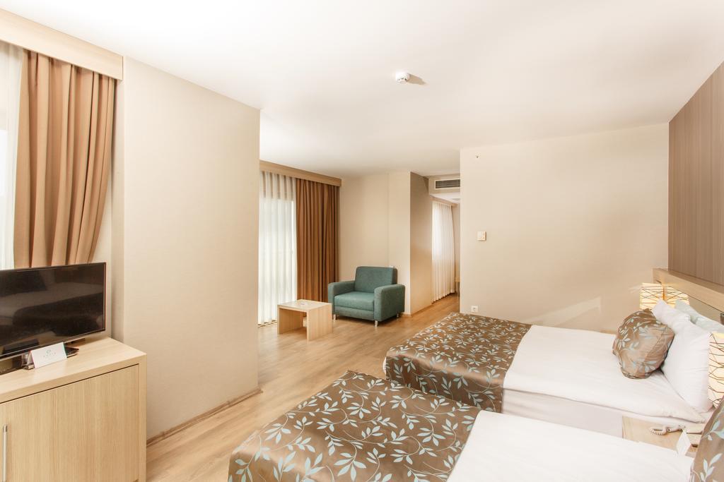 Гарячі тури в готель Novia Lucida Beach Hotel Кемер Туреччина