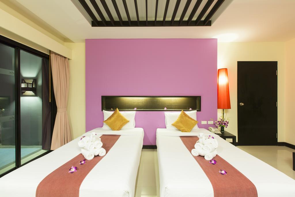 Ціни в готелі Phuvaree Resort