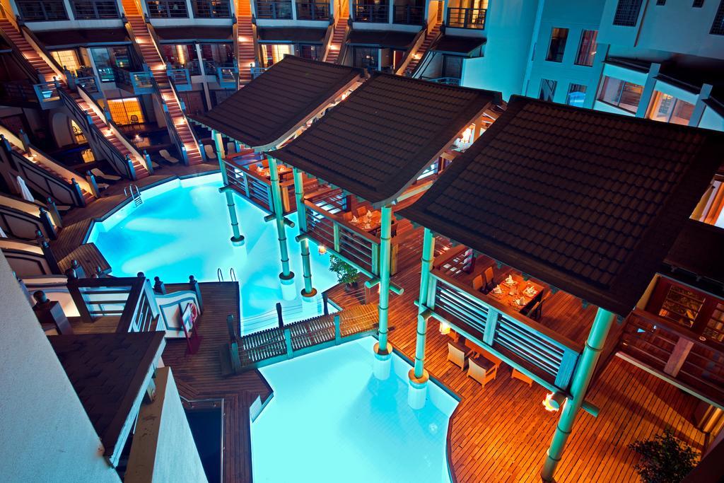 Гарячі тури в готель Limak Lara De Luxe Hotel & Resort Анталія