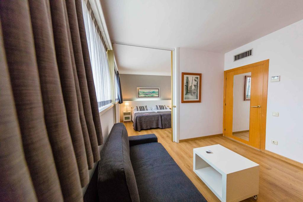 Отзывы гостей отеля Aparthotel Atenea