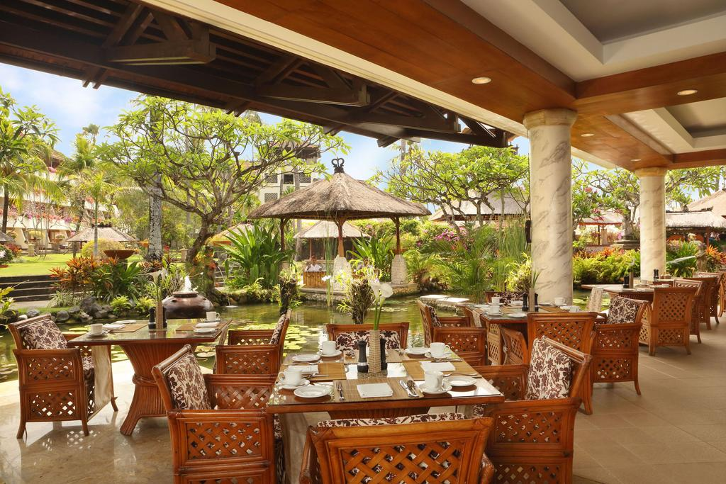 Nusa Dua Beach Hotel & Spa, питание