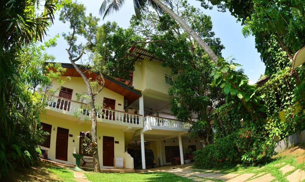 Sea Breeze Guest House, Унаватуна цены
