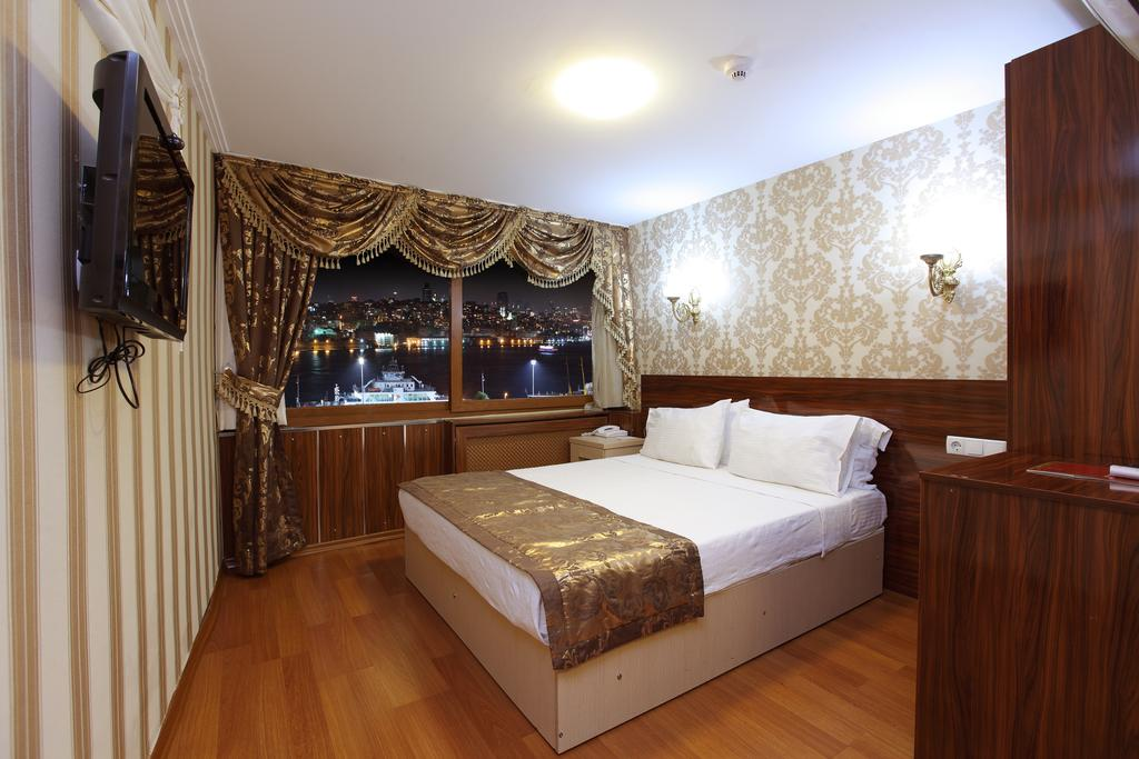 Golden Horn Istanbul, 4