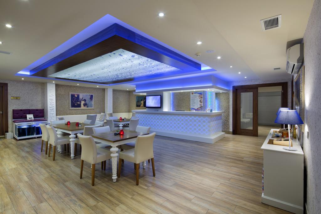 Гарячі тури в готель Villa Moonflower Aparts & Suites