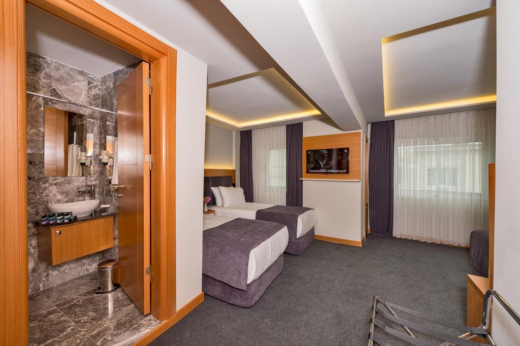 Bergama Hotel фото туристов