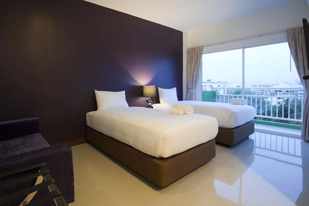 Wiz Hotel, Таиланд