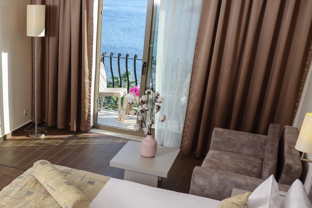 Ціни, Yasmin Bodrum Resort (ex. Yasmin Bodrum Deluxe)