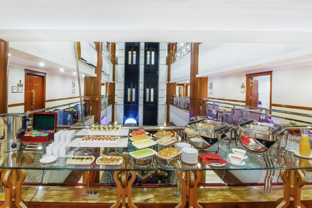 Горящие туры в отель Grand Excelsior Hotel Bur Dubai Дубай (город) ОАЭ