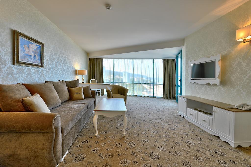 Отдых в отеле Marina Grand Beach Золотые Пески