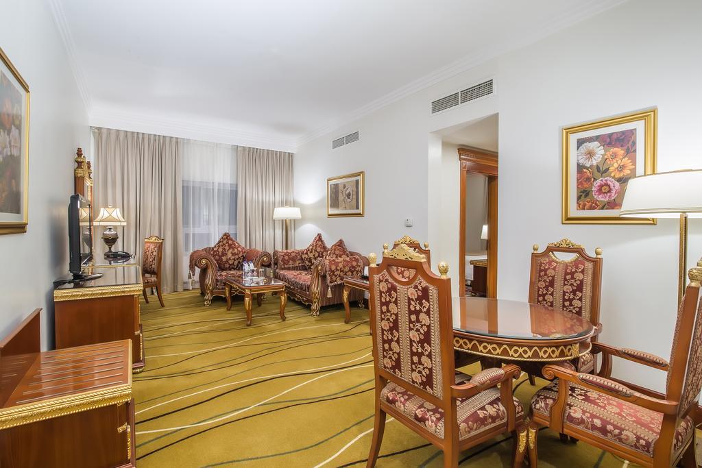 Горящие туры в отель Holiday Inn Bur Dubai Embassy District Дубай (город) ОАЭ