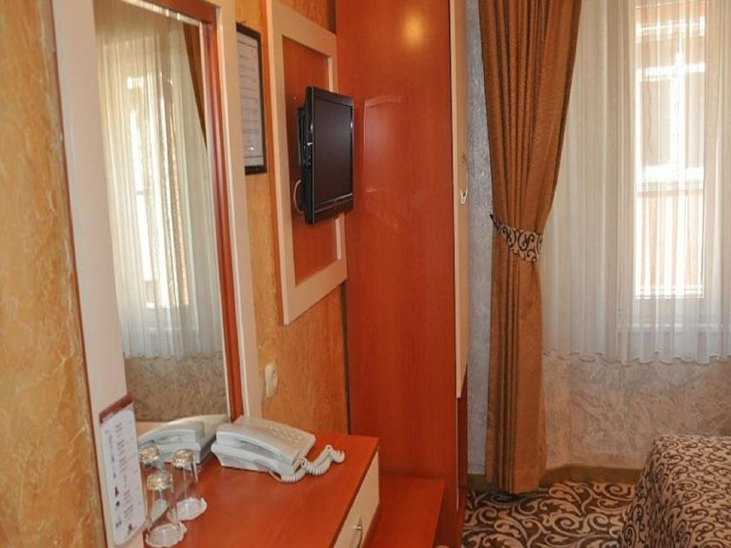 Фото отеля Kaya Madrid Hotel