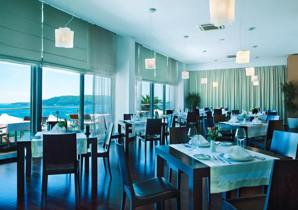 Цены в отеле Hotel Queen Of Montenegro
