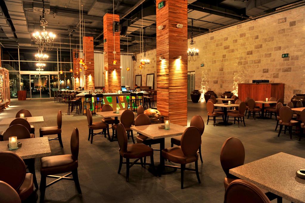 Отель, Avala Resort & Villas