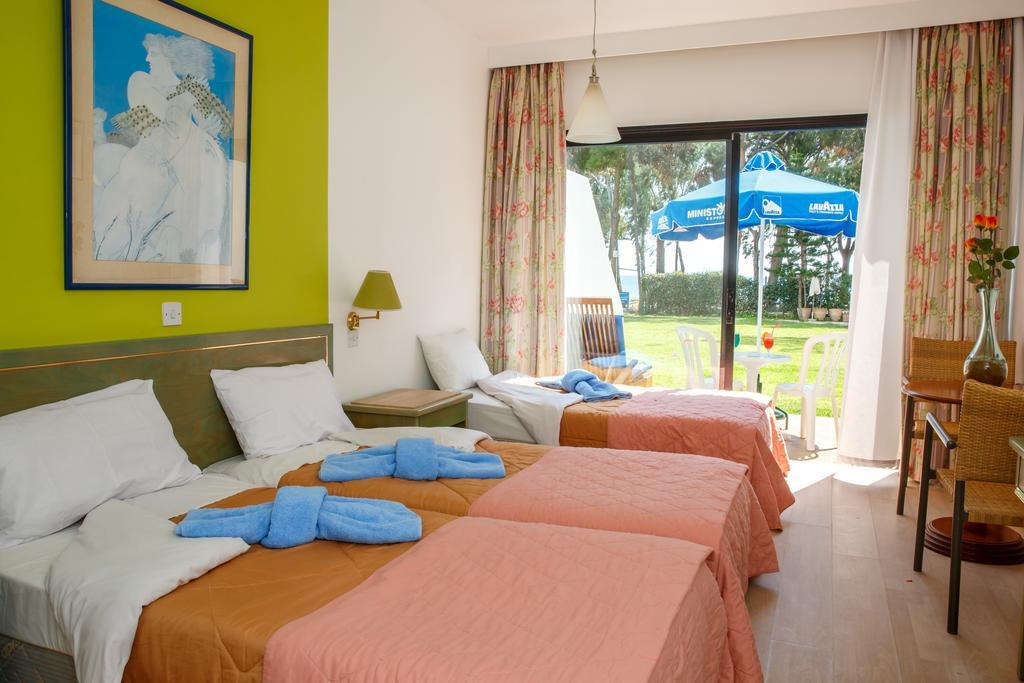 Park Beach Hotel, Лимассол