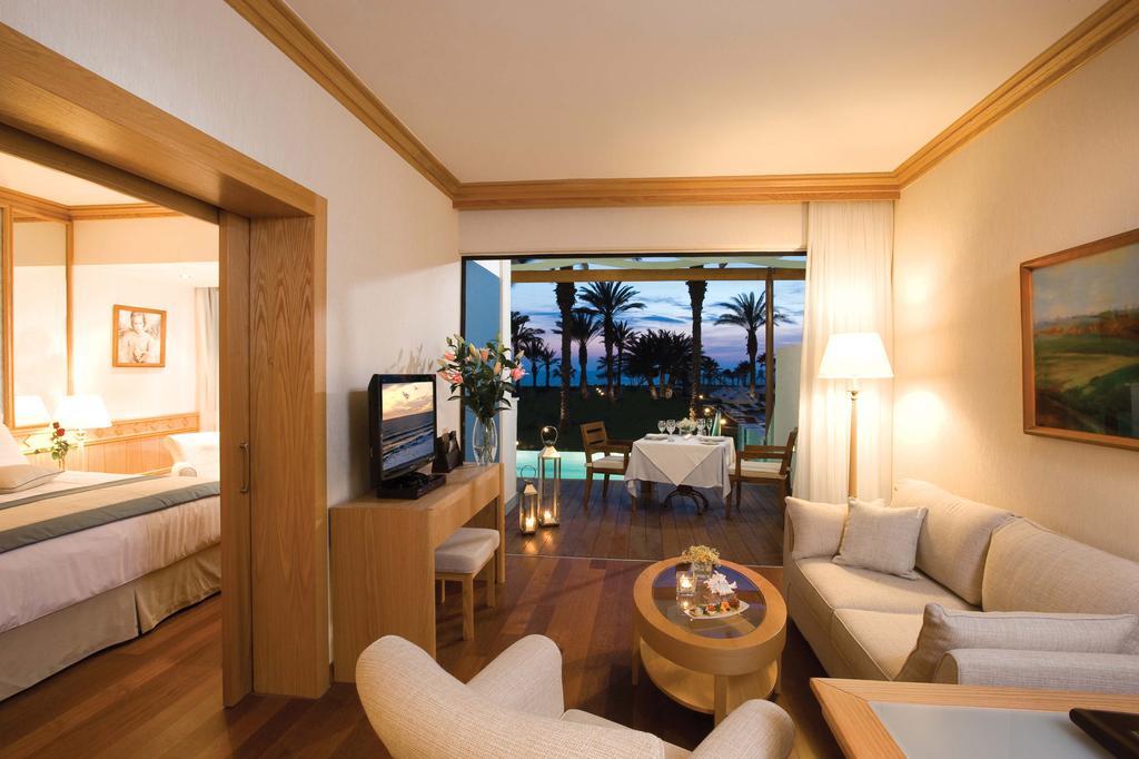 Constantinou Bros Asimina Suites Hotel (ex. Constantinou Bros Pioneer Beach Hotel), Кипр, Пафос, туры, фото и отзывы