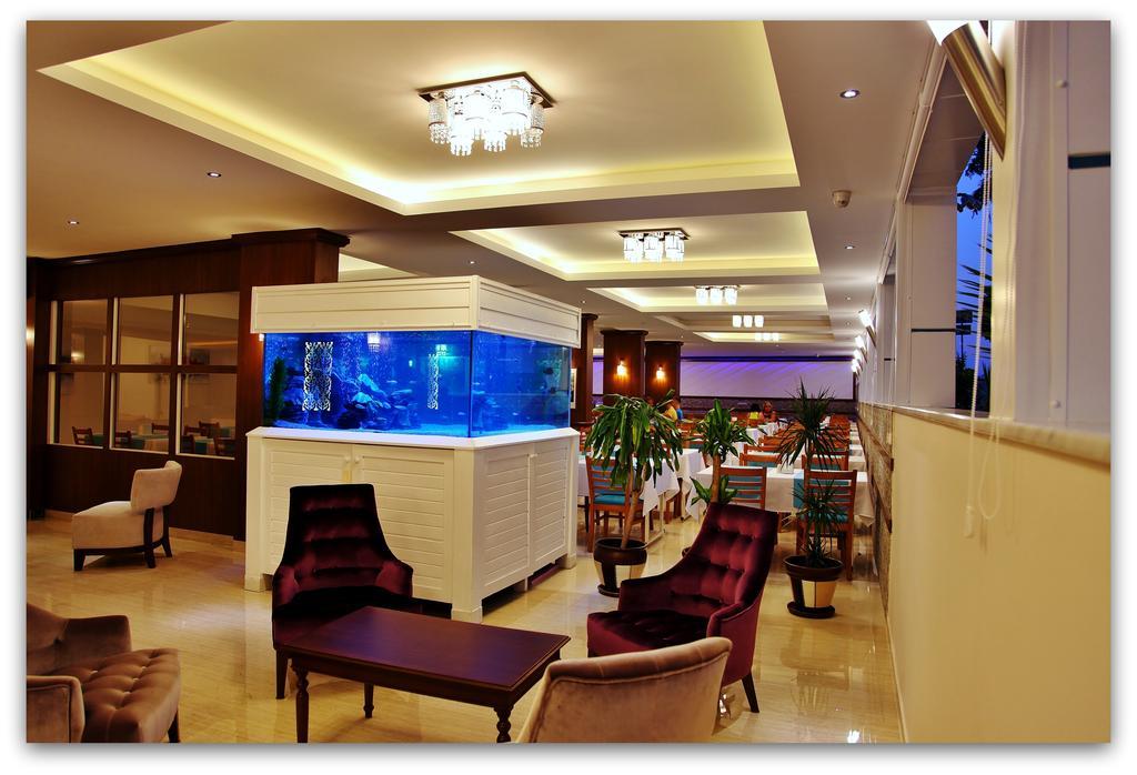 Mesut Hotel, Аланія