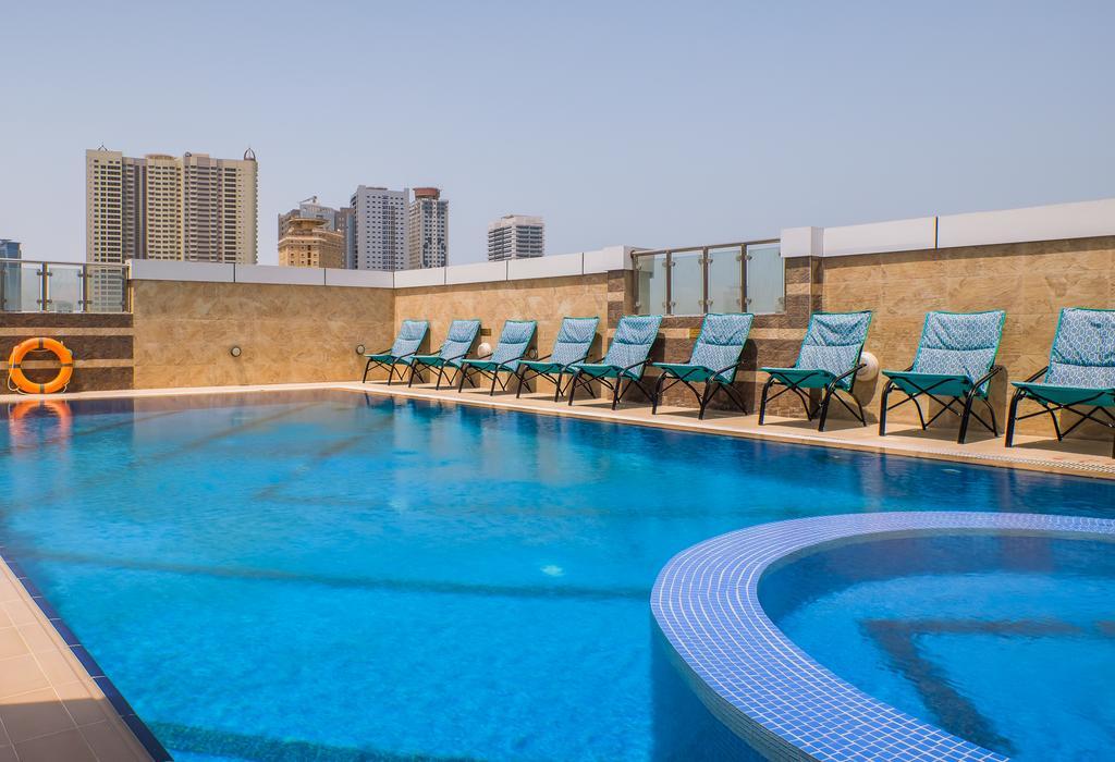 Tulip Inn Al Khan Hotel, Шарджа
