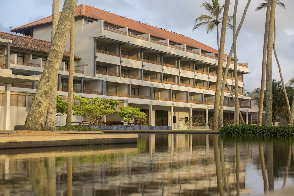 Отдых в отеле The Blue Water Ваддува