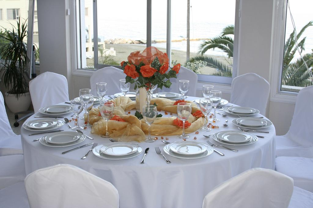 Туры в отель Mackenzie Beach Hotel & Ларнака Кипр