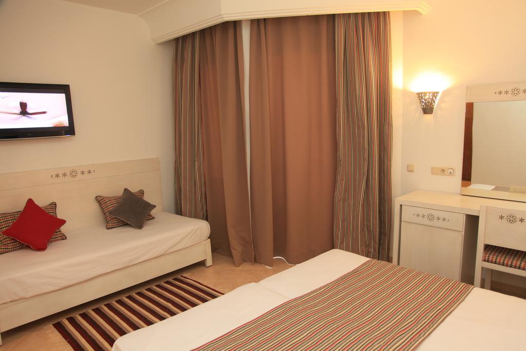 Тунис Menara Hotel