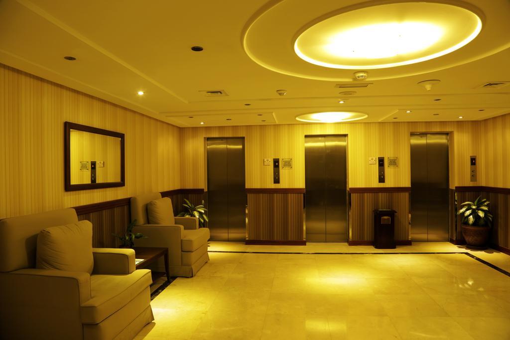 Cassels Al Barsha Hotel, 4