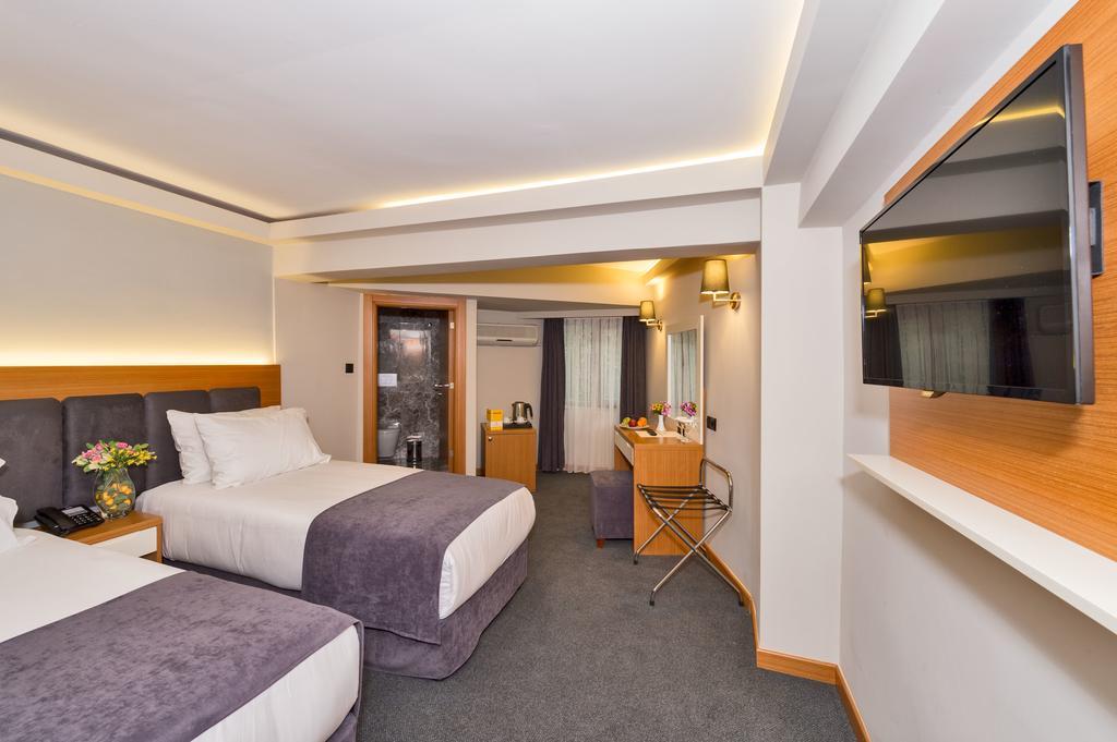 Bergama Hotel, 3