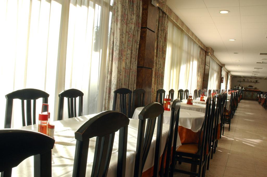 Цены в отеле H.top Royal Beach