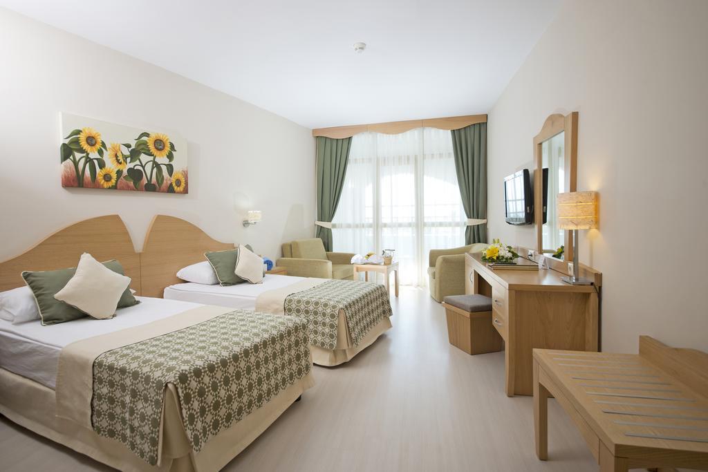 Відпочинок в готелі Limak Arcadia Golf & Sport Resort Hotel
