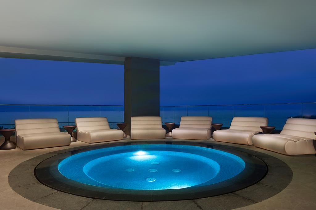 Відпочинок в готелі Wyndham Garden Ajman Corniche Аджман ОАЕ