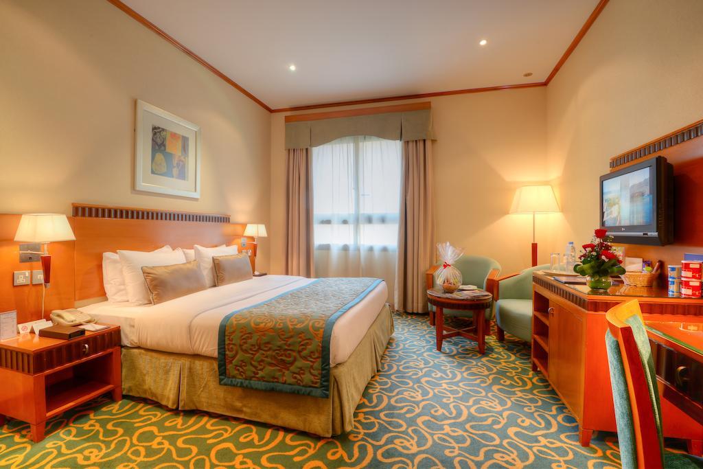 Отдых в отеле Golden Tulip Al Barsha Дубай (город)