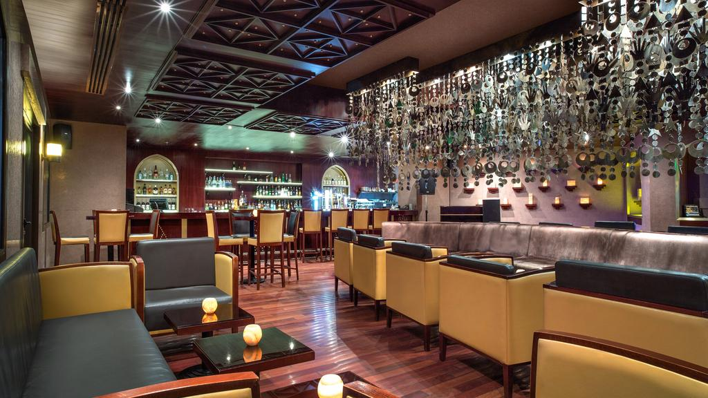 Ціни в готелі The Cove Rotana Resort Ras Al Khaimah