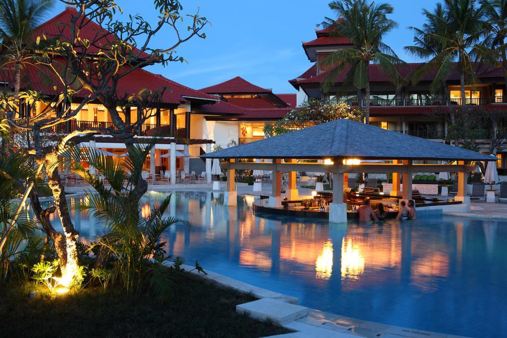 Holiday Inn Resort Baruna, Кута, Индонезия, фотографии туров